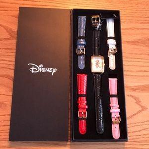 NWT MINNIE MOUSE watch